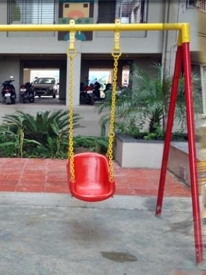 swing is made of high quality polyester